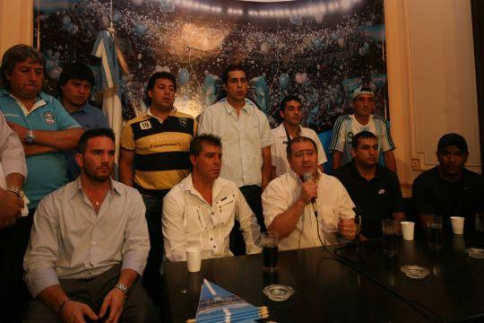 2009 Marcelo Mallo presenta in società HUA